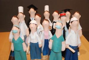 Figuras de papel mache de todas las profesiones