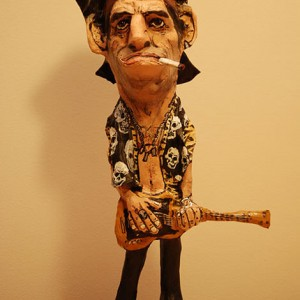 figura de papel mache de keith richards